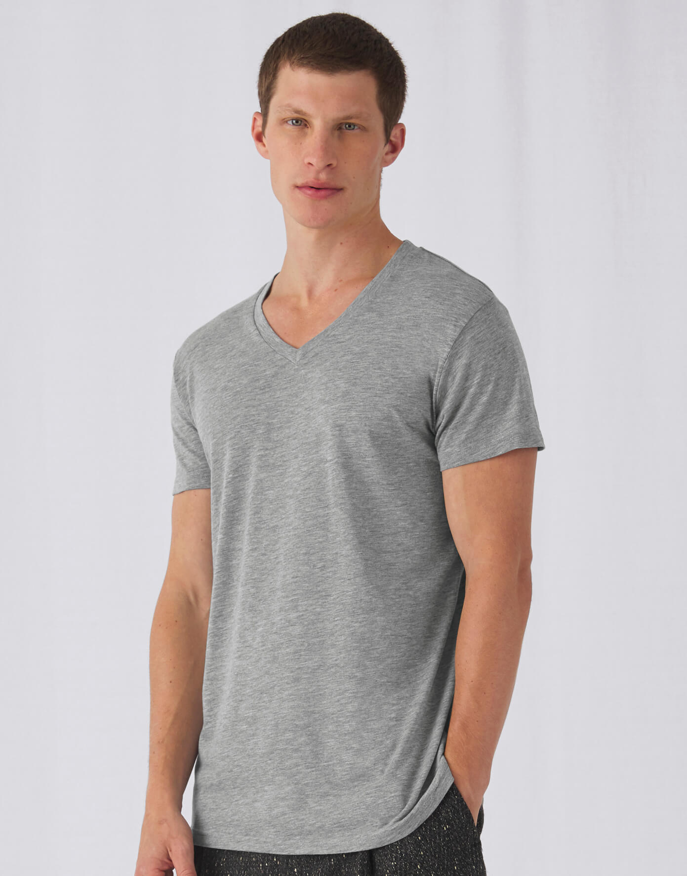 TM057 Triblend tričko s V-výstrihom V Triblend/men
